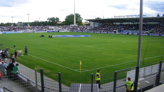Frankfurter_Volksbank_Stadion_Innenraum